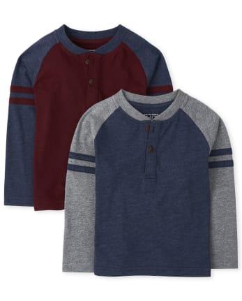 Pack de 2 camisetas henley con brazos a rayas para niños pequeños