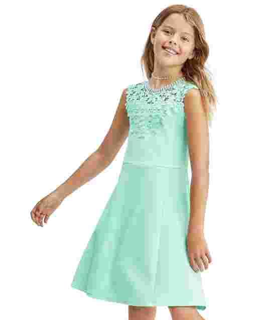 Vestido de jacquard elástico de punto con canesú de encaje sin mangas para niñas
