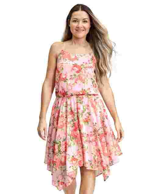 Vestido con dobladillo floral Sharkbite de Mommy And Me para mujer