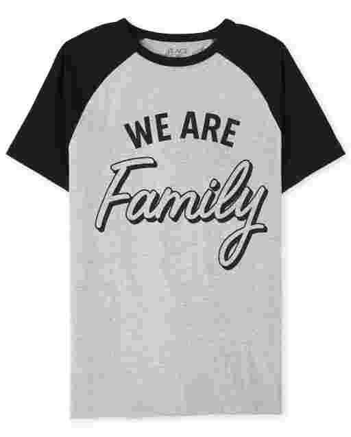 Camiseta de manga corta unisex para adultos a juego con la familia ' We Are Family '