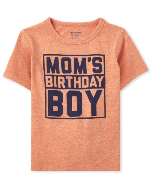 """Camiseta estampada de manga corta """"Mom's Birthday Boy"""" para bebés y niños pequeños"""