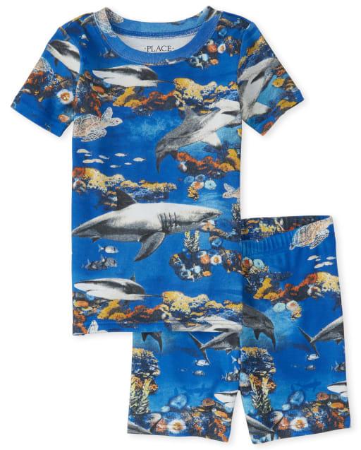 Piyama de algodón y corte ajustado con estampado de tiburones para niños
